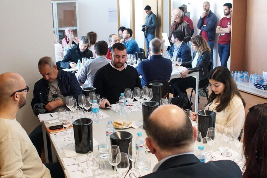 Jurados a provar no Concurso de Vinhos do Douro Superior 2019